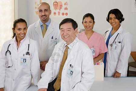 医生和护士的肖像图片