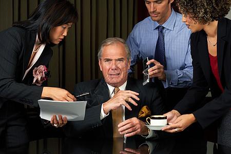 工作过度的商人图片