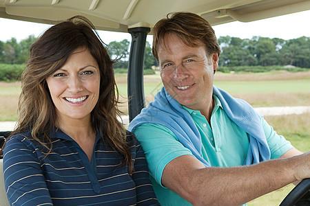 高尔夫球车情侣图片