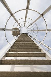 梯子的低角度视图图片