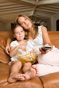姐妹们看电影图片