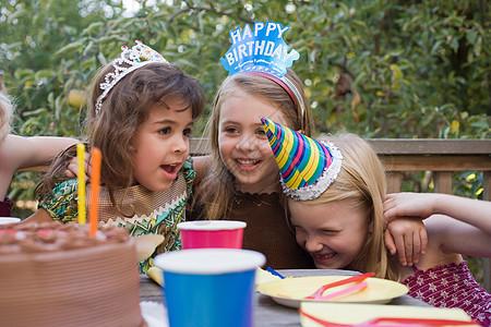 生日聚会上的女孩们图片