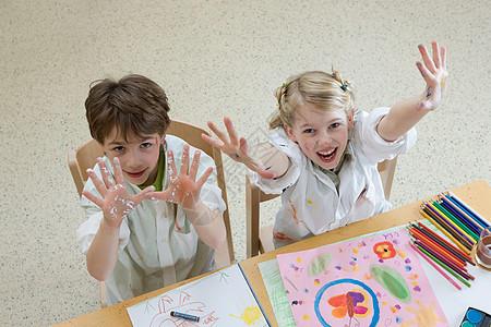艺术班的孩子们图片