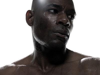 出汗的黑人男性图片