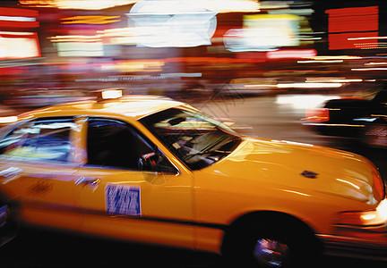 纽约市时代广场的出租车图片