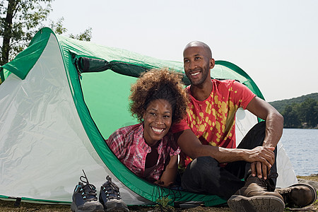 夫妻露营图片
