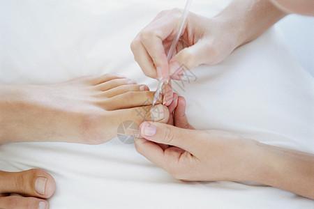 接受足病治疗的妇女图片
