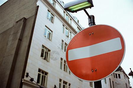 禁止通行标志图片