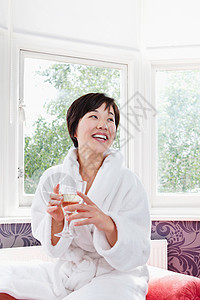 穿着浴衣的女人图片