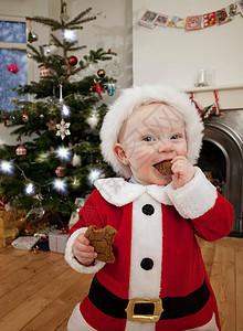 打扮成圣诞老人的婴儿图片