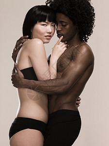 性感的年轻夫妇图片