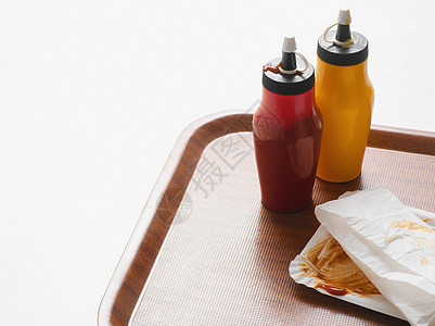 托盘上的快餐图片