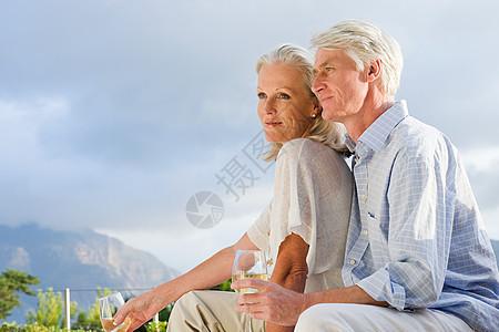 中老年夫妇图片