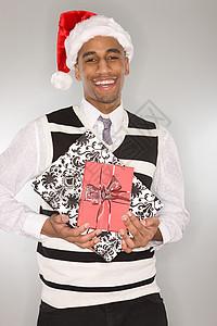 戴圣诞帽的年轻人图片