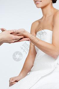 手被按摩的女人图片