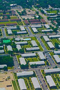 美国伊利诺伊州芝加哥郊区房屋的空中拍摄图片