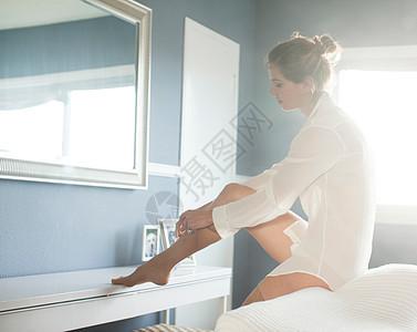 穿长袜的女人图片