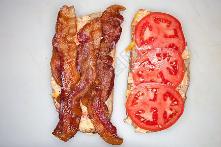 培根番茄三明治图片
