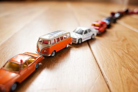 玩具车排队图片