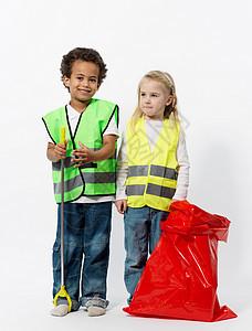 带清洁用具的孩子图片