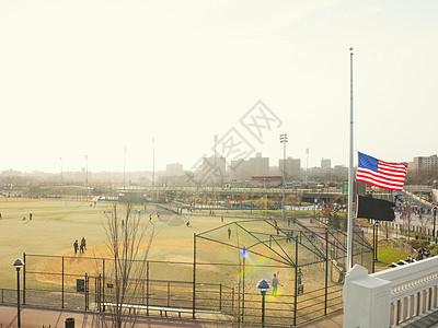 美国纽约波士顿马拉松炸弹爆炸后半旗图片