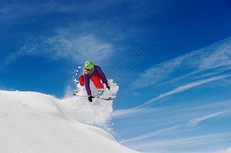 女子空中滑雪图片
