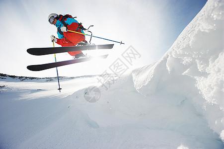 空中滑雪者图片