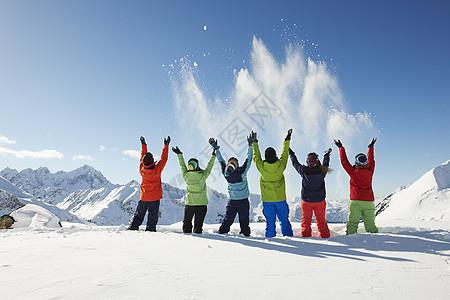 奥地利库赫泰朋友们在空中飞雪图片