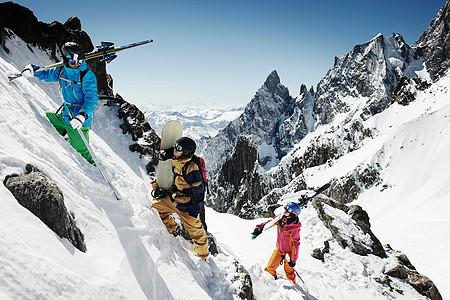爬山滑雪队图片