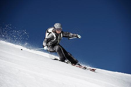 女子高山滑雪图片