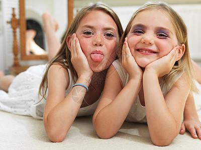 两个女孩图片