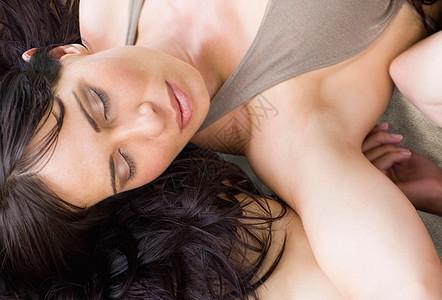 熟睡的女人图片