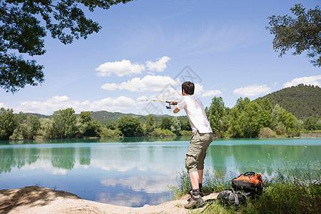 钓鱼的男人图片