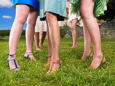 时尚女性群体图片