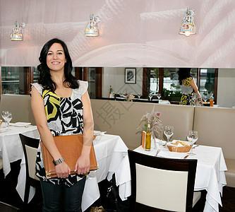 女餐馆老板图片