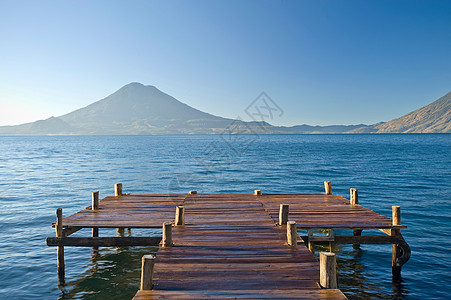 静湖木墩图片