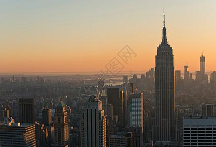 从洛克菲勒中心看美国纽约曼哈顿帝国大厦图片