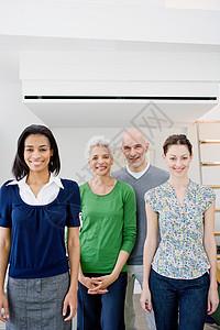 4名商务人士图片