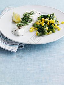 豆子玉米鱼片图片