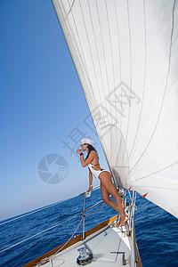 性感的女船长帆船图片