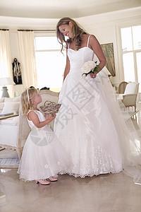 新娘和花童图片