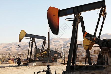 油田油泵及炼油厂图片