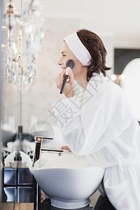 穿浴衣化妆的女人图片