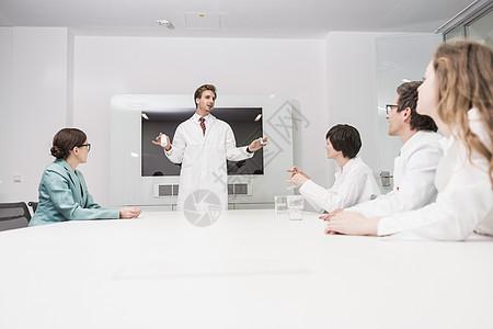 在开会的医生图片