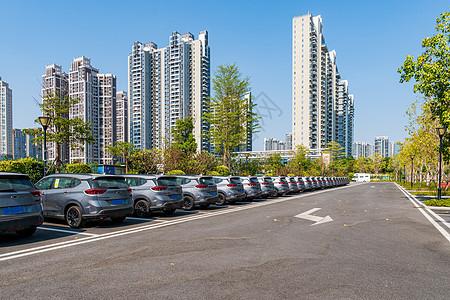 空旷的停车场图片