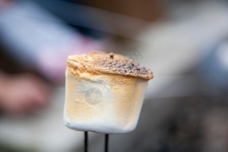 烤棉花糖特写镜头图片