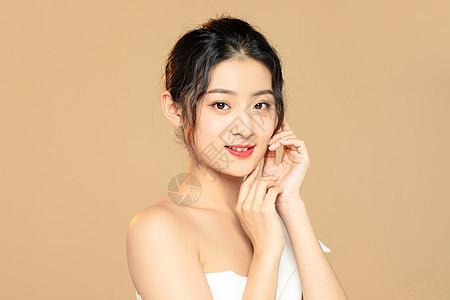 女性面部护肤美容保养图片