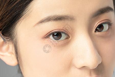 女性面部眼睛细节特写图片