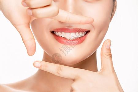 女性嘴唇口腔健康牙齿特写图片