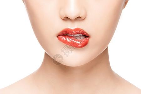 女性咬嘴唇局部特写图片